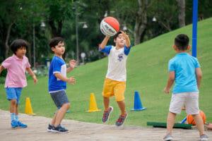 Trí thông minh vận động có thể vừa giúp trẻ tiếp thu kiến thức hiệu quả vừa vui chơi trong học tập