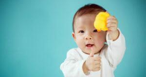 giúp trẻ phát triển trí thông minh
